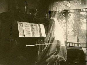koritsi-piano