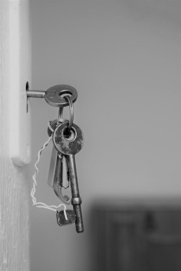 gray-keys-1405724 (1)